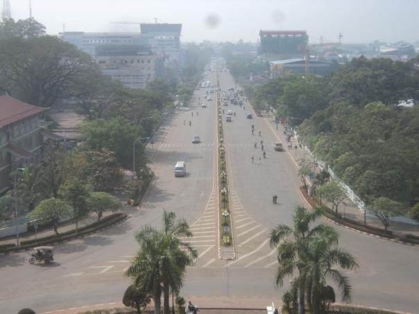 Vientian > Foto desde El Arco del Triunfo
