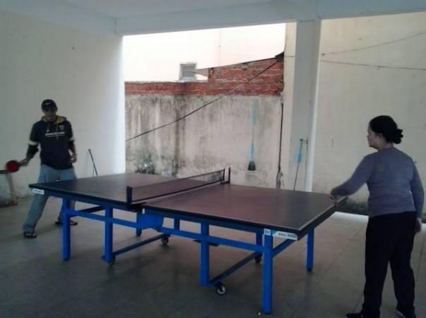 Jugando al Ping Pong en Da Nang
