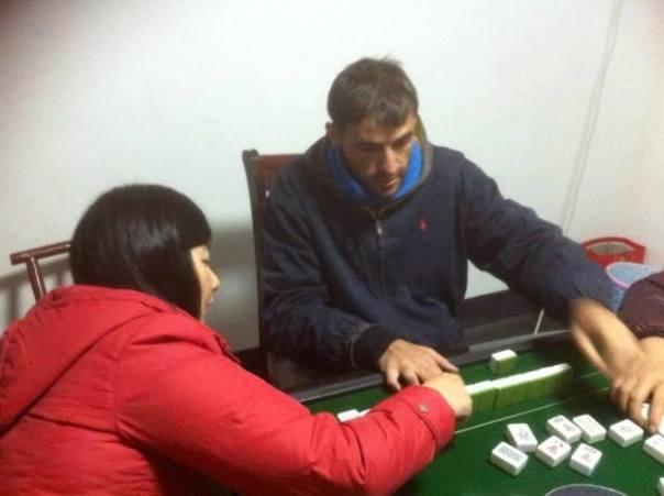 Jugando a Majong con Sunny