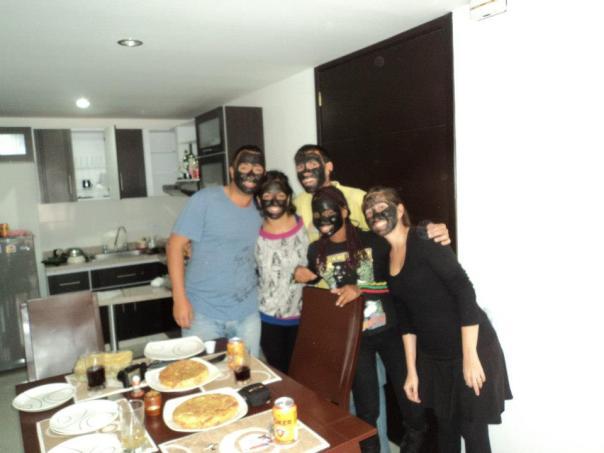 El equipo al completo : Miguel , Gaby , Ornella e Ivonne