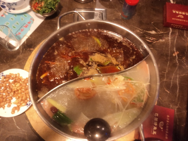 Tipica cena en un restaurante chino en Changsha