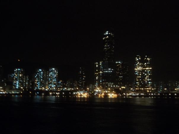 HK de noche