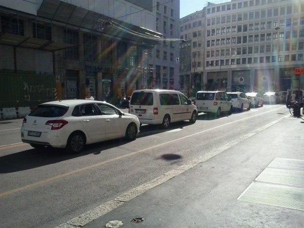 Taxis por el centro de Milan