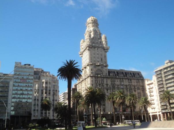Paseando por Montevideo .