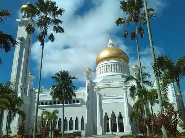 Mezquita , en Brunei
