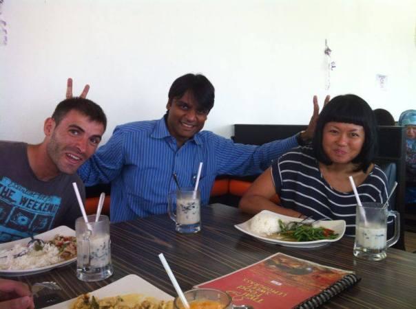 Con Ravi y Flo
