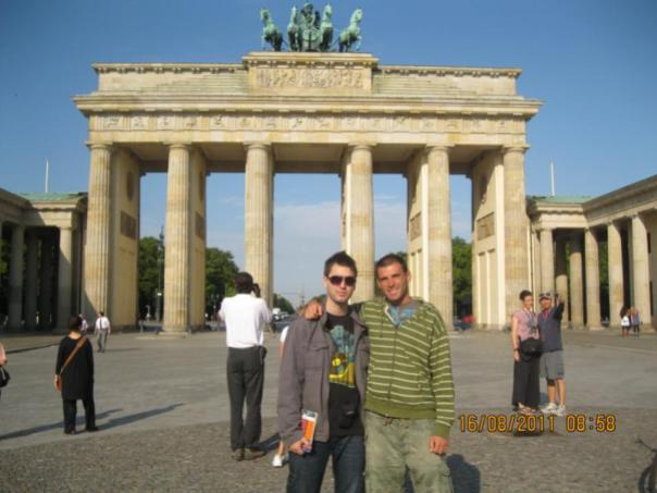 Con mi hermano , en la Puerta Brandeburgo