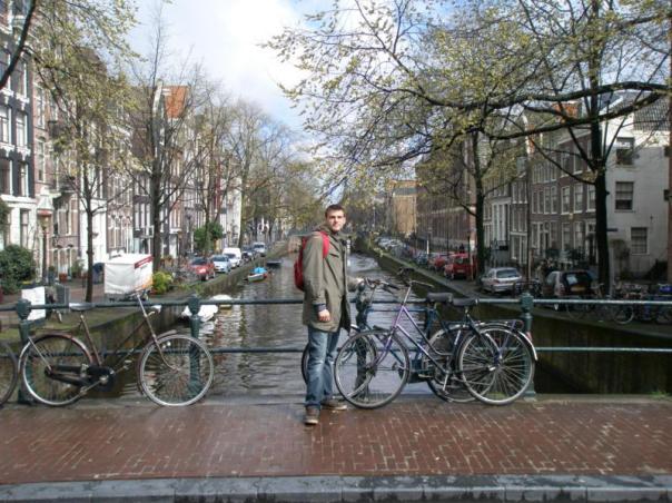 Paseando por los canales , en Amsterdam .