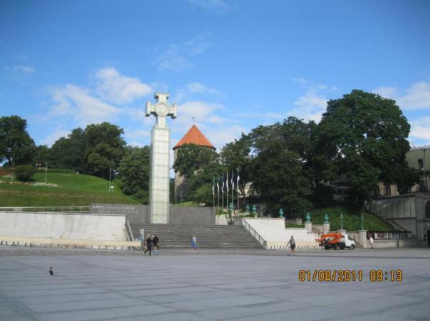 Monumento a la Independencia , en Tallin .