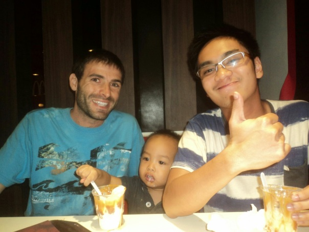 Con Darby y Han .