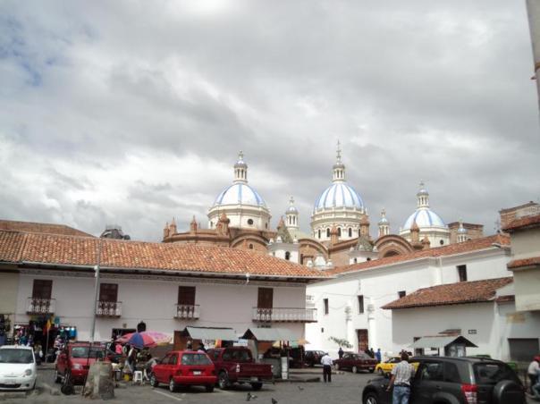 Plaza Central , Cuenca .