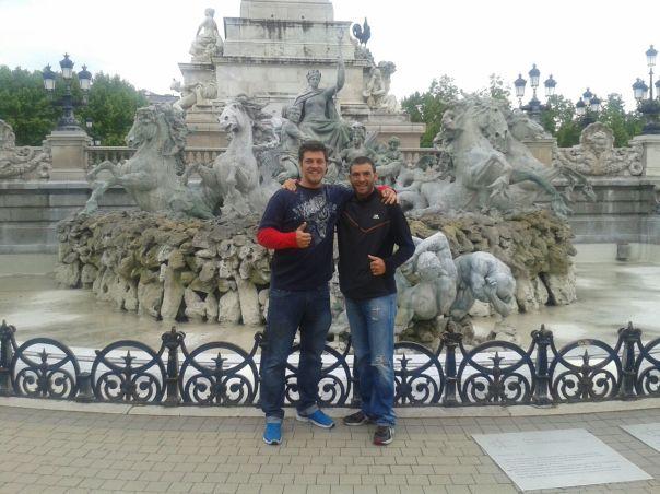 Con Gonzalo , Burdeos .